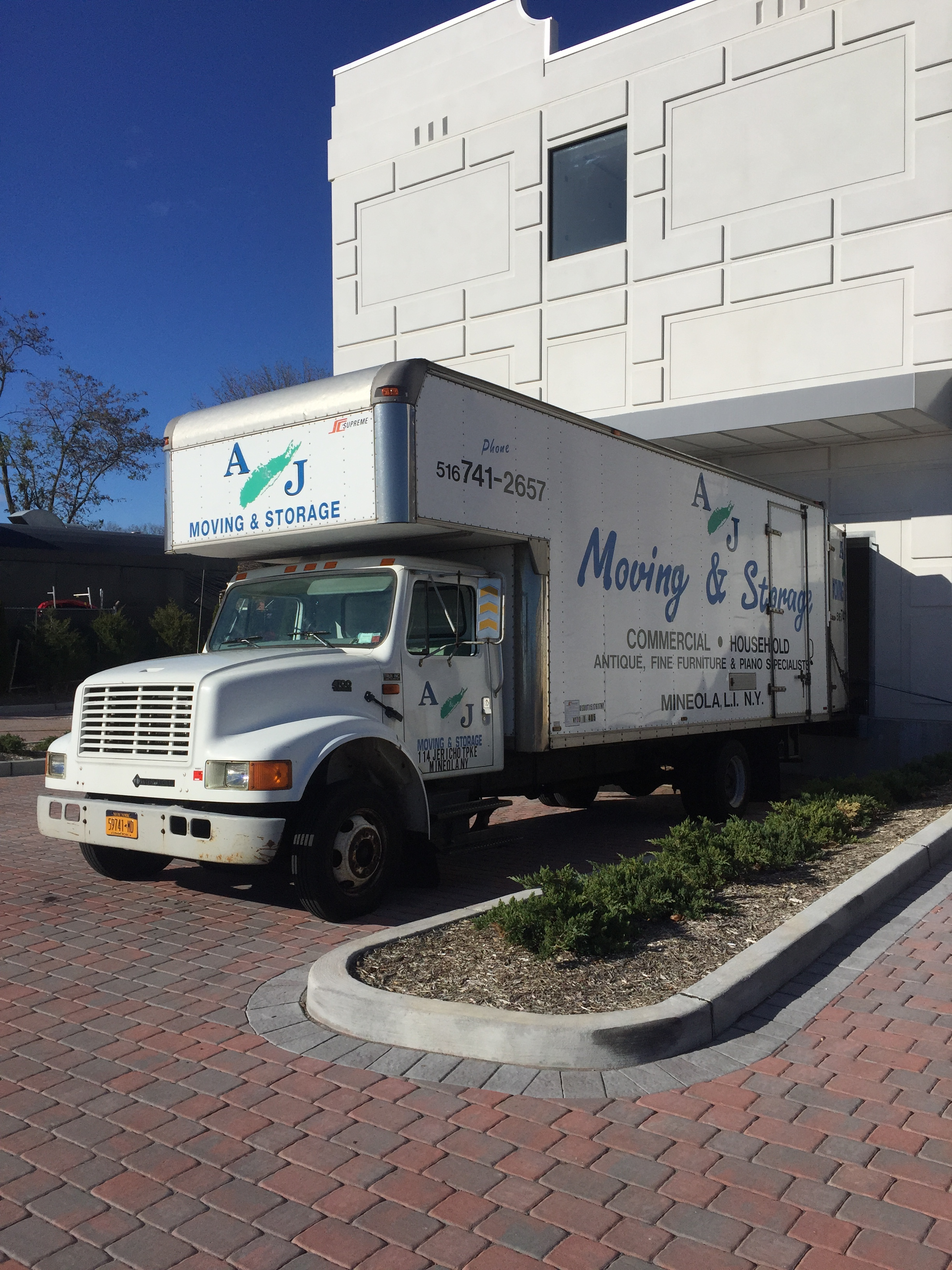 Commercial Moving Long Island Truck